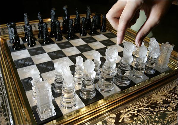 шахматы играть с компьютером