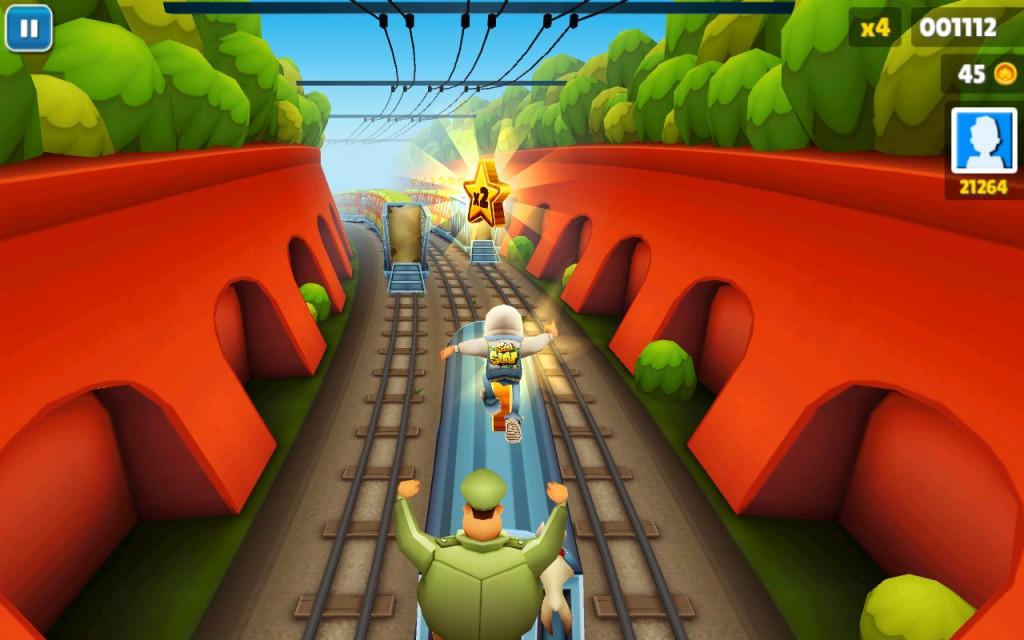Игра мальчик бегает по поездам